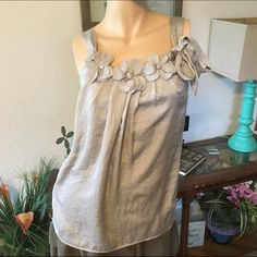 LOFT gray dress tank flower detail accents size XS LOFT gray dress tank flower detail accents size XS Bundle deals available (I carry various sizes and brands): 2 items 10% off, 3 items 15% off, 4 items or more 20% off  LOFT Tops Tank Tops