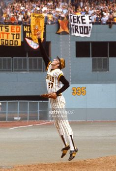 Kent Tekulve of the Pittsburgh Pirates celebrates after getting the last out of a Major League Baseball game circa 1977 at Three Rivers Stadium in Pittsburgh, Pennsylvania. Tekulve played for the Pirates from Best Baseball Player, Better Baseball, Baseball Games, Pittsburgh Pirates Baseball, Pittsburgh Sports, Three Rivers Stadium, Pirate Pictures, National League, Cincinnati Reds