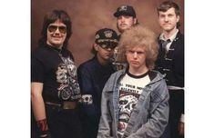 42 Tragically Awkward Band Photos That Take Poor Taste To New, Impressive Levels (Slide #8) - Offbeat
