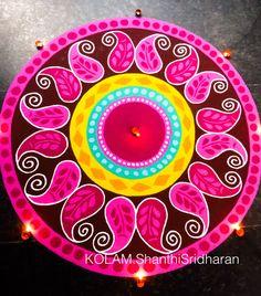 Best Rangoli Design, Rangoli Designs Latest, Rangoli Designs Diwali, Diwali Rangoli, Rangoli Designs With Dots, Kolam Designs, Paper Flower Decor, Flower Decorations, Paper Flowers