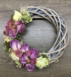 Driedflowers wreath Grapevine Wreath, Grape Vines, Floral Wreath, Wreaths, Home Decor, Floral Crown, Decoration Home, Door Wreaths, Room Decor
