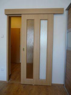 Posuvné dveře a renovace zárubní (byt Ostrava)