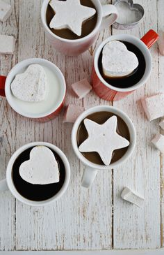 Espresso Marshmallows: Just one of our many favorite homemade candy recipes — perfect for Halloween! Homemade Food Gifts, Homemade Candies, Diy Food, Homemade Marshmallows, Food Ideas, Christmas Food Gifts, Homemade Christmas Gifts, Handmade Christmas, Diy Christmas
