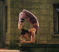 The Alo Yoga High Waist Airbrush Legging #yoga #yogainspiration