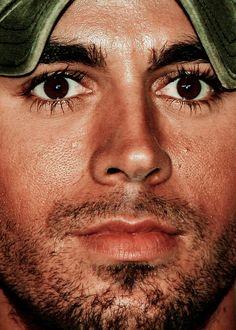 Enrique Iglesias- Shades of Liza Minnelli. He sure has long  lush eyelashes.