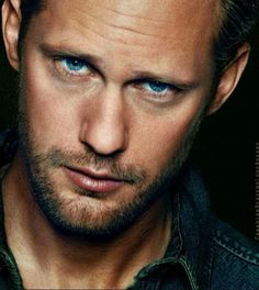 Alexander Skarsgard... Mmmm... Love the eyes
