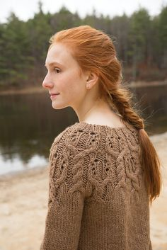 There have been plenty of sweaters with yoke detail, but I love that this one features cables on the yoke. The best of both wolrds! Ravelry: Pinecone pattern by Susan Mills #CEYfav