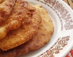 10 perces sajtos lángos Baby Food Recipes, Indian Food Recipes, Pizza Recipes, Cooking Recipes, Hungarian Cuisine, Hungarian Recipes, Hungarian Food, Recipe Mix, Pasta Dishes