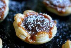 Toffifee-Blüten Rezept French Toast, Pancakes, Breakfast, Food, Puff Pastry Recipes, Chef Recipes, Kuchen, Treats, Pancake
