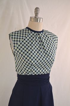 1950's style one-yard blouse tutorial from Inside Aimee's Victorian Armoire