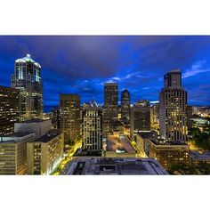 Another view from our penthouse #milliondollarlisting in Seattle! MLS: 717673