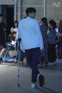 """""""굿바이, Zinu"""" 현빈님께서 로그아웃 하셨습니다. (가지마..엉엉 T.T) : 네이버 포스트 Korean Men, Korean Actors, Kang Haneul, Weightlifting Fairy Kim Bok Joo, Team 2, Park Shin Hye, Hyun Bin, My Man, Beautiful Boys"""