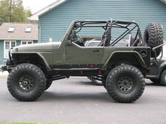 I like this set up but I would go with 6 inch lift with 35's. This looks like an 8 with 37's.