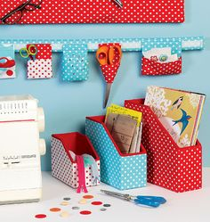 Look no further for your Organizer and storage bins McCalls sewing pattern Available to buy on-line from Sew Essential. Ribbon Storage, Storage Bins, Basket Organization, School Organisation, Classroom Organization, Classroom Ideas, Mccalls Sewing Patterns, Sewing Studio, Sewing Rooms