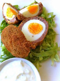 Le uova alla scozzese sono un goloso piatto pasquale inventato dallo chef Gordon Ramsey Sauce Salsa, Scotch Eggs, Gordon Ramsey, Tzatziki, Carne, Breakfast, Chef, Food, Fun Stuff