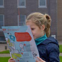 Kenniscoördinator Elke van Projectburo Scheffers uit Rotterdam is groot voorstander van leren door doen. Op deze wijze ontwikkelt zij divers lesmateriaal.