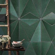 Art for the Home Tiles Fotobehang Gold Wallpaper Living Room, Bathroom Wallpaper, Toilet Art, Tile Stores, Door Murals, House Tiles, Inspirational Wallpapers, Mural Painting, Concrete Floors