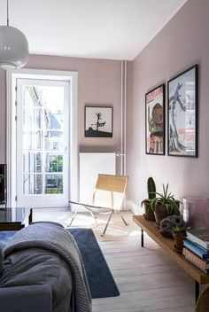 30 Incredibly Charming Pink Living Room Design Ideas - Home Bigger Home Wall Colour, Interior Wall Colors, Bedroom Wall Colors, Living Room Colors, Interior Walls, Home Decor Bedroom, Living Room Decor, Interior Design, Pink Bedroom Walls