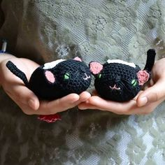 My Little Cat  #cat #petitchat #lovely #feet #black #pink #green #love #cotton #baby #shoes #chaussons #socks #crochet  #crochetofinstagram #pairoftheday #babyshoes #accessories #crochetersofinstagram #frombelgium #madeinbelgium #withlove #littlecloudsfactory  by littlecloudsfactory