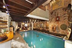 Swimming-pool_in_living_roo
