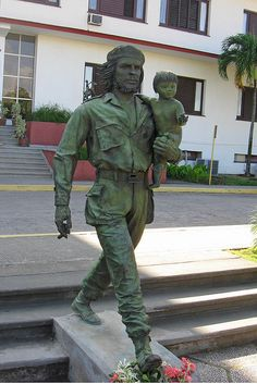 Statue of Che Guevara in Santa Clara, Cuba, via Flickr.