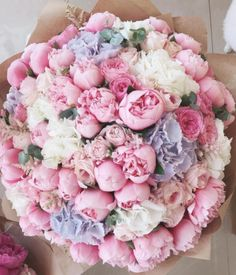 This bouquet surely builds a feminine, sweet and whimsical nuanc… Flowers galore! This bouquet surely builds a feminine, sweet and whimsical nuance. 😊 💗 TAG your best friend below … ⠀ Photo via Source Purple Wedding Flowers, My Flower, Wedding Bouquets, Beautiful Flowers, White Flowers, Big Bouquet Of Flowers, Pastel Flowers, Tulips Flowers, Yellow Wedding
