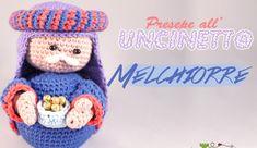 Presepe all'uncinetto #7: Schema Re Magio Melchiorre - La Torre di Cotone Free Crochet, Knit Crochet, Crochet Hats, Amigurumi Patterns, Amigurumi Doll, Italian Pattern, Crochet Winter, Christmas Nativity, New Years Eve Party