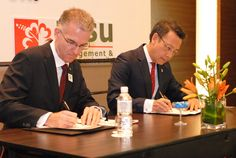 The signing ceremony of the first IHG Academy in Malaysia at Holiday Inn Kuala Lumpur Glenmarie