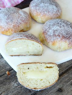 Sockerbulle med vaniljkräm Ca 30 st - Recept från myTaste Baking Recipes, Cake Recipes, Dessert Recipes, Delicious Desserts, Yummy Food, Swedish Recipes, Challah, Dessert For Dinner, How Sweet Eats
