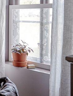 spetstyg i ram. #insynsskydd #fönster
