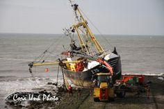 Shipwreck-Petten  Get rid of the fishing nets