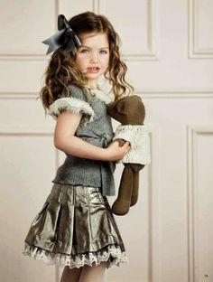 Me encantaría tener una niña para vestirla así ¿no os parece?