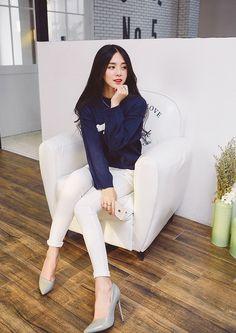 Korean-style round neck sweater