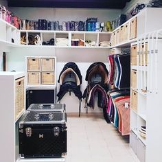 Dream Stables, Dream Barn, Horse Stables, Horse Barns, Tack Room Organization, Horse Tack Rooms, Horse Barn Designs, Horse Barn Plans, Reptile Cage