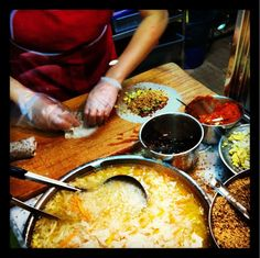 Maxwell Road Hawker Center - SIngapore, try the Hainanese Chicken Rice at Tian Tian