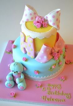 "from CakeWrecks.com ~ ""Sunday Sweets: A Peck of Pastel Pretties"" ~ August 5, 2012"