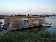 GeWoonboot in Amsterdam Noord NDSM Duurzaam drijvende woonboot, zelfvoorzienende woonboot, autarkisch, vergaderlocatie