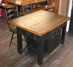 Exceptional Reclaimed Barn Wood Furniture   Barn Wood Kitchen Island With Ladder Back  Stools   Barnwood Furniture