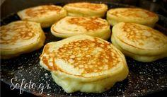 Μια μεγάλη ιστορία αγάπης! Τηγανίτες με σιρόπι σοκολάτας ,χωρίς ζάχαρη! Hamburger, Pancakes, Bread, Breakfast, Food, Meal, Pancake, Brot, Eten