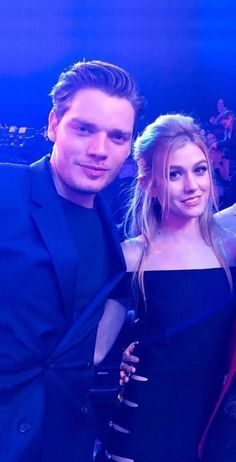 Shadowhunters Tv Series, Shadowhunters The Mortal Instruments, Famous Photos, Blackpink Photos, Clace Fanart, Malec, Clary Und Jace, Cassie Clare, Dominic Sherwood