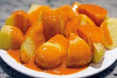 La salsa de las patatas bravas no lleva tomate – Varomeando [Manuel Apir] Patatas Guisadas, Canapes, Pretzel Bites, Paella, Tapas, Sausage, Food And Drink, Dessert Recipes, Stuffed Peppers