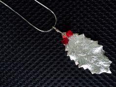Flux Jewellery School competition entry. Beautiful pendant by Christine Ashton 'it makes me feel festive when I wear it'.