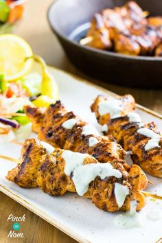 This Syn Free Chicken Souvlaki and Tzatziki Slimming World Extra Easy plan Slimming World Dinners, Slimming World Recipes Syn Free, Slimming World Diet, Slimming Eats, Slimming Workd, Skinny Recipes, Diet Recipes, Chicken Recipes, Cooking Recipes