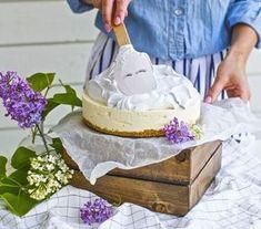 Sveitsiläinen marenki Vanilla Cake, Baking, Sweet, Desserts, Food, Salad, Kitchen, Candy, Tailgate Desserts