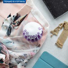 Попробуйте сочный микс из малины, магнолии и сандалового дерева! DKNY Be Delicious Nolita Girl создает атмосферу городского шика. Лёгкий и стильный аромат для лета! www.letu.ru