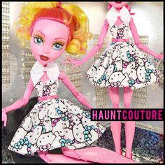 Poupée monstre robe de vêtements de haute couture affreusement Tall « Hello Kitty »