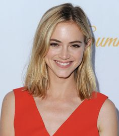 Would you love to be familiar with right now? Emily Wickersham was born in the year 1984 on the of April and she is a famous American actress. Emily Wickersham Ncis, John Michael Higgins, Blake Anderson, Little Palm Island, Girls Tv Series, Popular Tv Series, Thing 1, Winter Beauty, Married Woman
