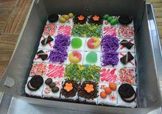 Brownies potong Bolu Cake, Resep Cake, Petit Cake, Moca, Bakery Cakes, Cute Food, Brownies, Cake Recipes, Cake Decorating