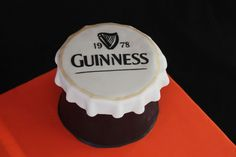 This is the top of a Guinness bottle of beer. It is sculpted from carrot cake (yes even the very top) frosted with cream cheese & fondant. Guinness Cake, Cap Cake, Beer Bottle Caps, Cakes For Men, 70th Birthday, Birthday Cakes, Birthday Ideas, Happy Birthday, Fondant Cakes