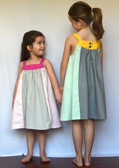 so cute and looks very simple to make. my girls would love these dresses!
